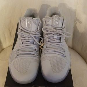 8a674bef9639 Nike Shoes - Kyrie 3